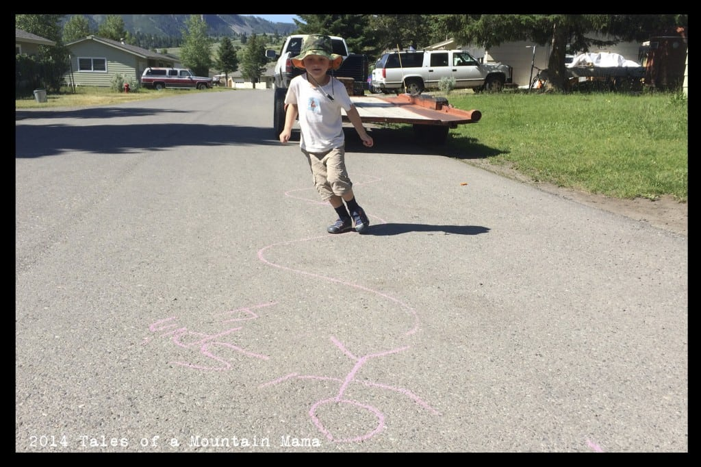 Easy Sidewalk Chalk Obstacle Course