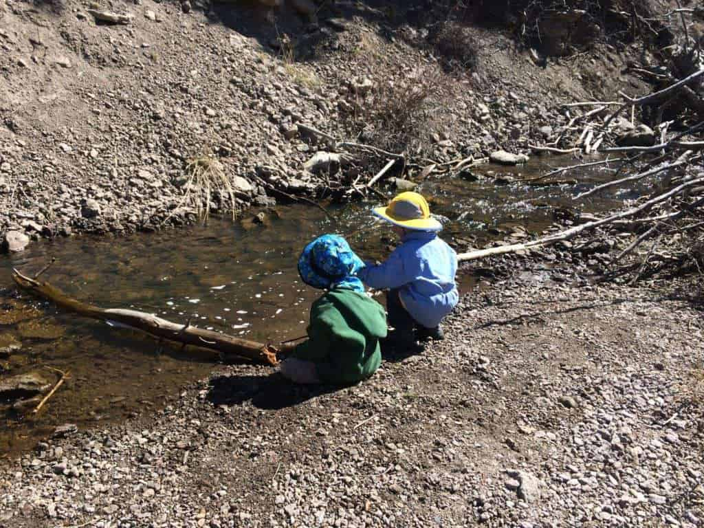 10 Easy Ways to Keep Kids Outdoors This Summer