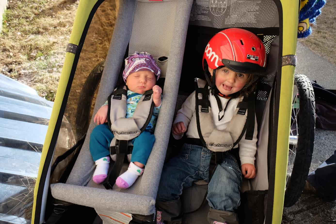 Thule Chariot Cross Review - Tales of a Mountain Mama
