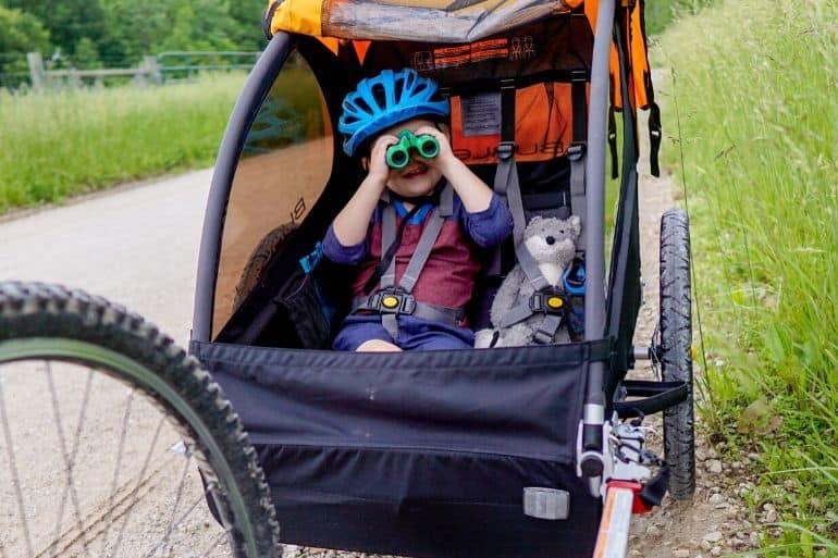 How to Keep Kids Happy in Bike Trailers